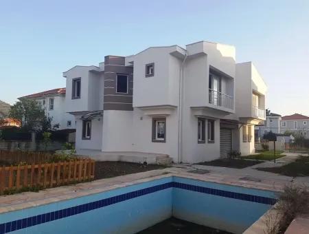 Dalamanda Satılık Yüzme Havuzlu Kelepir Villa